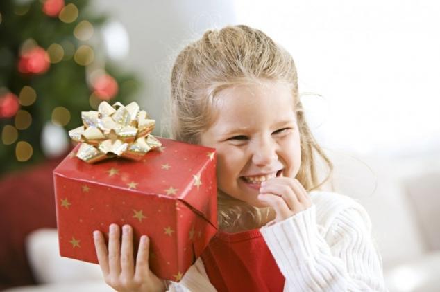 Новогодний подарок детям